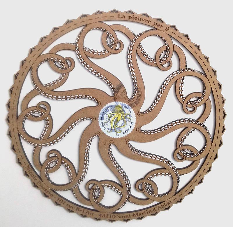 Découpe d'un médium : la pieuvre par neuf